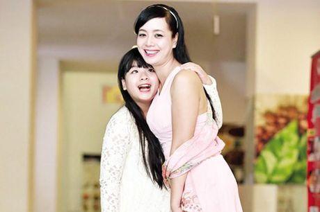 Con gai NSUT Chieu Xuan keu cuu tren trang ca nhan vi chung cu bi chay, sap sap - Anh 1