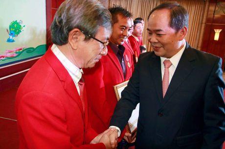 Le trao thuong cho doan The thao Nguoi khuyet tat Viet Nam tham du Paralympic Rio 2016 - Anh 1