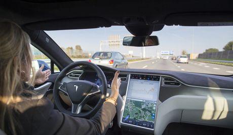 Tesla da san sang cho xe tu lai vao nam sau - Anh 3