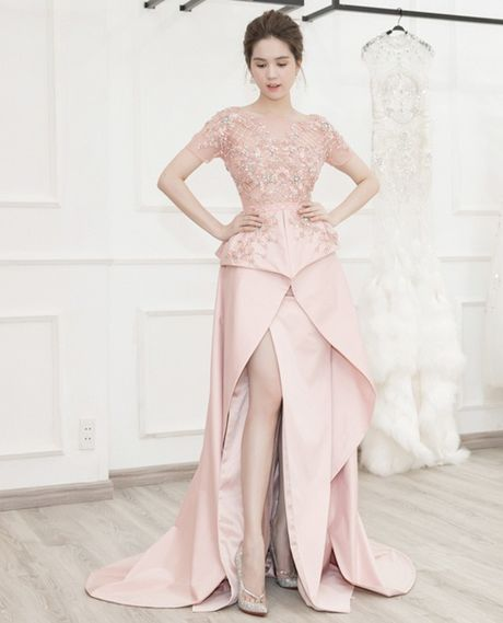 Ngoc Trinh dien vay dinh hang ngan vien pha le tai chung ket hoa hau Han Quoc - Anh 8