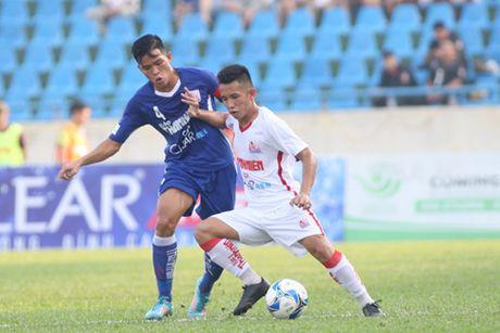 U.21 Quang Ninh cam chan dan sao V.League U.21 HA.GL - Anh 1