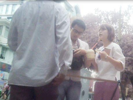 Tai dien kieu ban dua 'chat chem' o trung tam Sai Gon - Anh 1