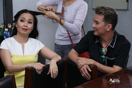 Dam Vinh Hung tro tai trang diem cho ong xa Cam Ly - Anh 4