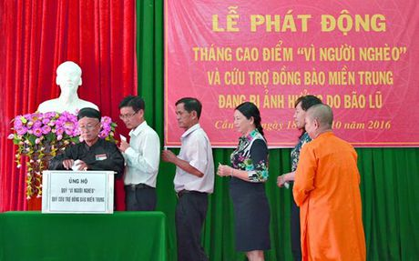 Tien Giang ho tro nhan dan Ha Tinh va Quang Binh 800 trieu dong - Anh 1