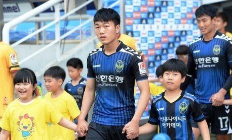 Xuan Truong bat ngo duoc Incheon United 'thuong dam' - Anh 1