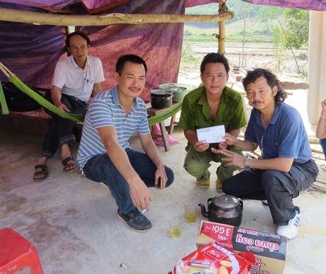 Bao NNVN va ban doc tiep tuc dong hanh cung ba con vung lu Quang Binh - Anh 2
