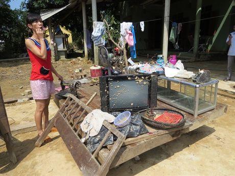 Bao NNVN va ban doc tiep tuc dong hanh cung ba con vung lu Quang Binh - Anh 3
