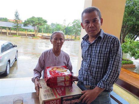 Bao NNVN va ban doc tiep tuc dong hanh cung ba con vung lu Quang Binh - Anh 5