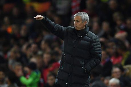 Jose Mourinho: 'Toi se khong con la Nguoi dac biet neu M.U trang tay' - Anh 1