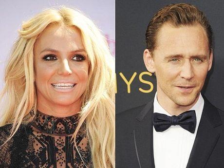 Britney Spears khao khat duoc hen ho voi Tom Hiddleston - Anh 1