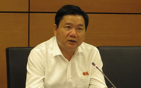 Bi thu Dinh La Thang: TP HCM qua tai ca tren troi ca duoi dat - Anh 1