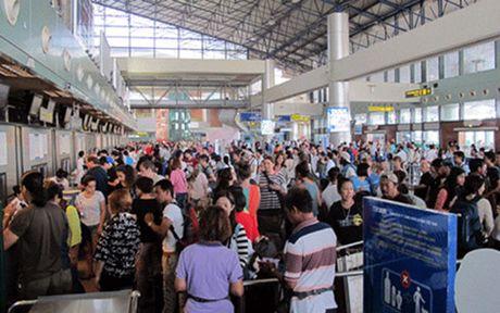 Bi thu Dinh La Thang: TP HCM qua tai ca tren troi ca duoi dat - Anh 2