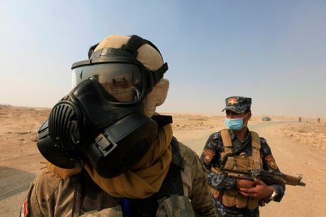 Iraq: Chay nha may luu huynh khien gan 1.000 nguoi bi nhiem khi doc - Anh 1
