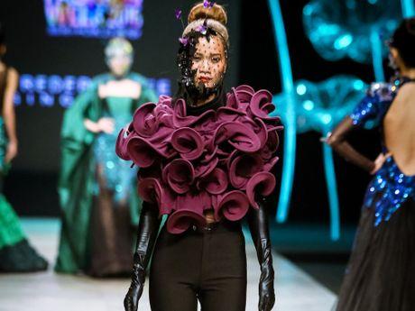 Da mat voi 'bua tiec' Haute Couture cua nha thiet ke Frederick Lee - Anh 1