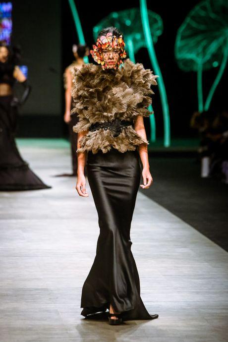 Da mat voi 'bua tiec' Haute Couture cua nha thiet ke Frederick Lee - Anh 4