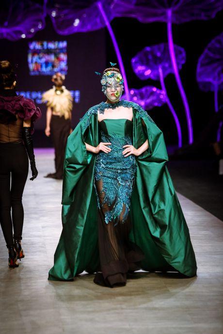 Da mat voi 'bua tiec' Haute Couture cua nha thiet ke Frederick Lee - Anh 8