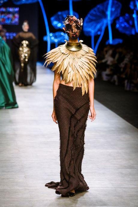 Da mat voi 'bua tiec' Haute Couture cua nha thiet ke Frederick Lee - Anh 9