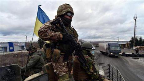 Nga tien hanh khoi to hinh su doi voi 6 tu lenh quan doi Ukraine - Anh 1