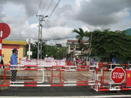 Bo GTVT: Kien quyet khong phat sinh them duong ngang duong sat - Anh 1