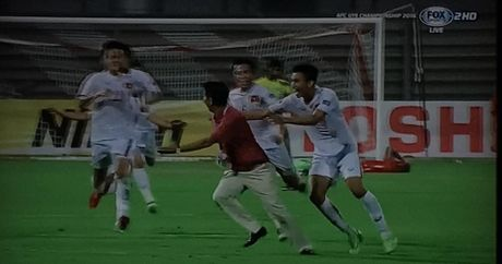 Chum anh U19 Viet Nam viet lich su truoc U19 Bahrain - Anh 7
