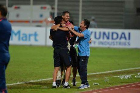 Chum anh U19 Viet Nam viet lich su truoc U19 Bahrain - Anh 9