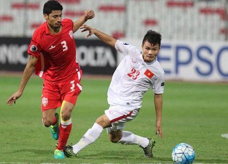 Bo truong Nguyen Ngoc Thien chuc mung chien tich cua U19 Viet Nam - Anh 1
