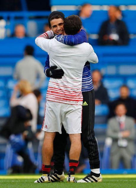 Hang thu mo ngu, Mourinho that than vi bon cai tat cua tro cu - Anh 2