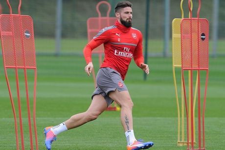 Dau Reading, Arsenal don trong phao tro lai - Anh 1