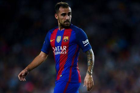 Cai tat vao mat ban lanh dao Barcelona - Anh 2