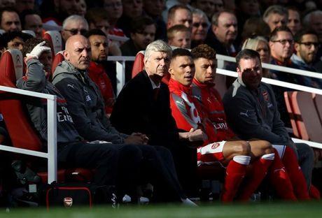 Arsenal dang dan cat bot quyen han cua Wenger - Anh 1