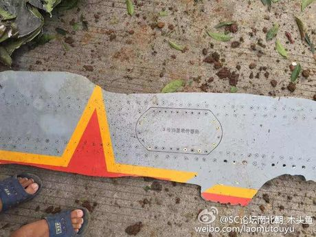 Hien truong may bay chien dau JH-7A Trung Quoc dam xuong dat - Anh 5