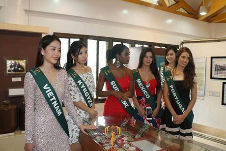 Nam Em hut truyen thong quoc te tai Hoa hau Trai dat - Anh 12