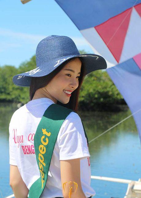 Nam Em hut truyen thong quoc te tai Hoa hau Trai dat - Anh 7