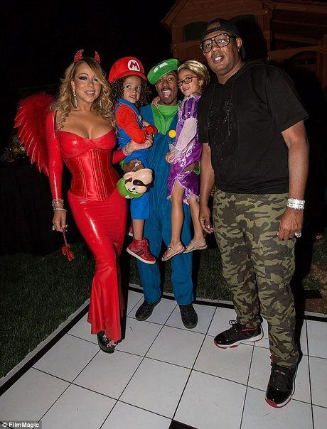 Mariah Carey mac sexy du tiec Halloween som - Anh 4