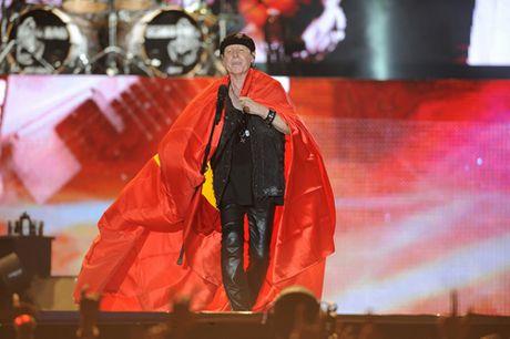 Khoac co Viet Nam, Scorpions 'dot chay' hon van khan gia Ha Noi - Anh 1