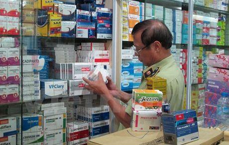 Phat hien hang nghin my pham duong toc 'nhai', xuat xu Trung Quoc - Anh 2