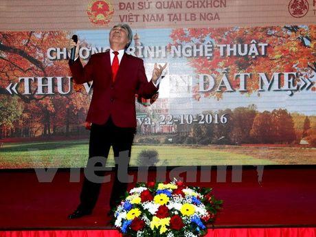 "Dem dien ""Thu ve tren dat Me"" tai Nga - Anh 1"