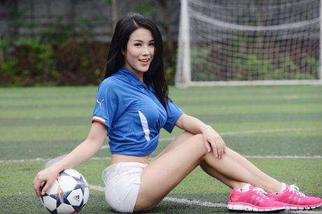 Diep Lam Anh giai thich su co chuc mung U19 Viet Nam nham giai dau - Anh 4