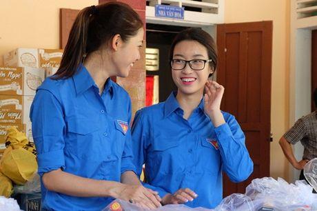 Hoa hau My Linh duoc ba con vung lu yeu men - Anh 5