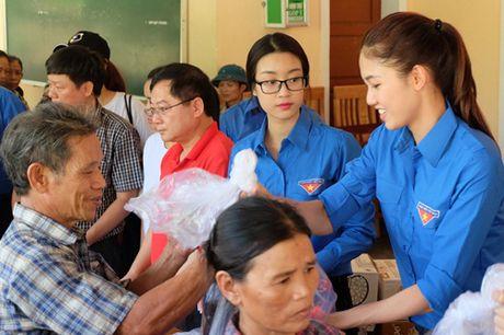 Hoa hau My Linh duoc ba con vung lu yeu men - Anh 6