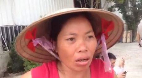 Nhan chung bun run ke lai hien truong vu TNGT duong sat o Thuong Tin - Anh 2