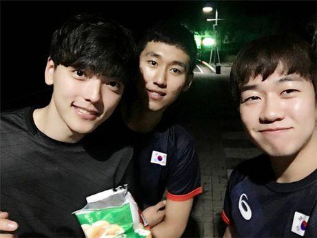 """""""Soai ca"""" bong chuyen """"don tim"""" hang trieu fan nu - Anh 10"""