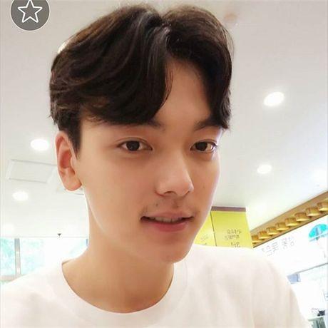"""""""Soai ca"""" bong chuyen """"don tim"""" hang trieu fan nu - Anh 7"""