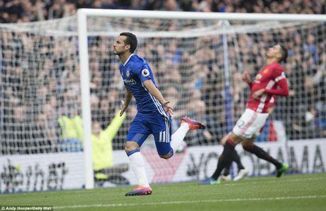 Chelsea thang hoa, Mourinho nuot dang ngay tro ve - Anh 2