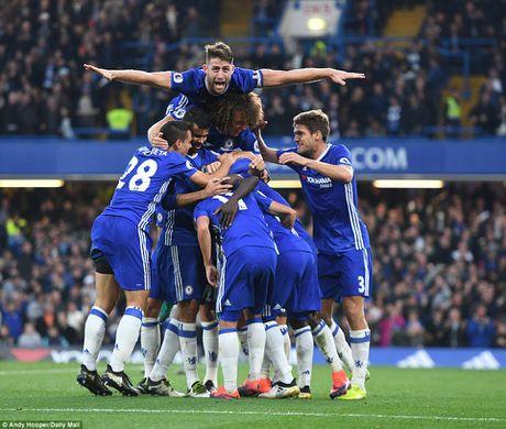 Chelsea thang hoa, Mourinho nuot dang ngay tro ve - Anh 3