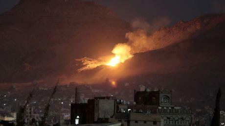 Chien su leo thang o bien gioi Yemen va A-rap Saudi - Anh 1