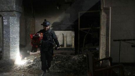 IS tan cong phia Tay Iraq, cuoc chien o Mosul van tiep dien - Anh 3