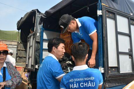 Chung tay ung ho nguoi dan vung lu Quang Binh - Anh 4