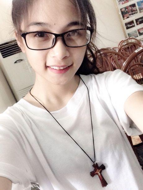'Hot girl cong xuong' dang gay xon xao cong dong mang la ai? - Anh 3