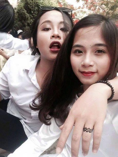 'Hot girl cong xuong' dang gay xon xao cong dong mang la ai? - Anh 5